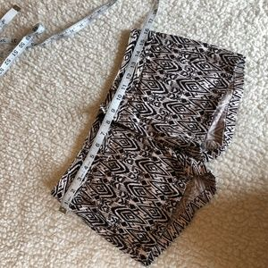 $ American Eagle Outfitters Stretch Short Shorts 0
